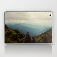 THE LIGHT THROUGH THE CLOUDS Laptop & iPad Skin