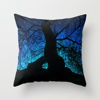 Tree under a spangled sky (dark version) Throw Pillow