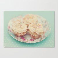 Heavenly cupcakes Canvas Print