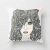 Snow White ♡ Throw Pillow