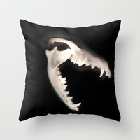 SCANNER II Throw Pillow