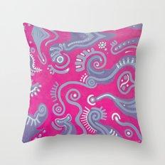 Movimiento Intimo Throw Pillow