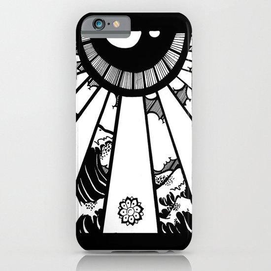 EL MAR LAS NUVES Y UN OJO iPhone & iPod Case