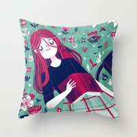Flowe Bed Throw Pillow
