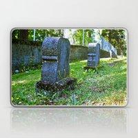Graveyard beauty Laptop & iPad Skin
