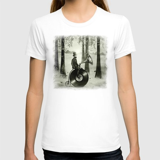 Music Man in the Forest, by Eric Fan and Viviana González T-shirt