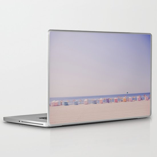 Dream a little dream with me Laptop & iPad Skin
