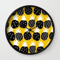 Black Pineapple. Wall Clock