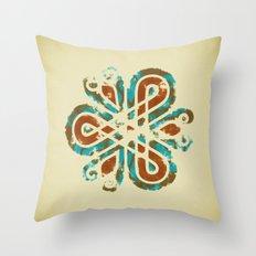 Adorno Celta Throw Pillow