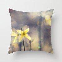 Garden: end of winter Throw Pillow