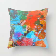unt.2 Throw Pillow
