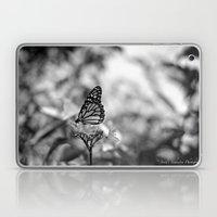 Papillion en  Noir Laptop & iPad Skin