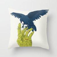 Corvo-papa-zumbi Throw Pillow
