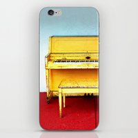 Out of Tune - Vintage Beach Piano iPhone & iPod Skin