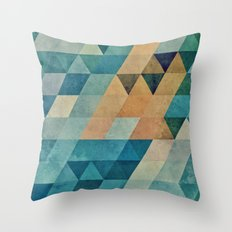 Vyntyge Pwwdr Throw Pillow