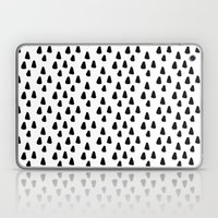 Black and white triangles pattern - classy college student collection Laptop & iPad Skin