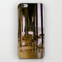El Muelle iPhone & iPod Skin