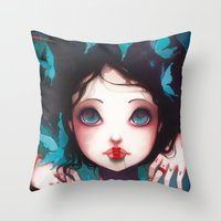 Nachtfalter Throw Pillow