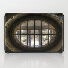 Round window iPad Case