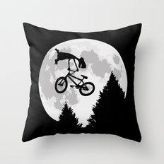 ET tailwhip Throw Pillow