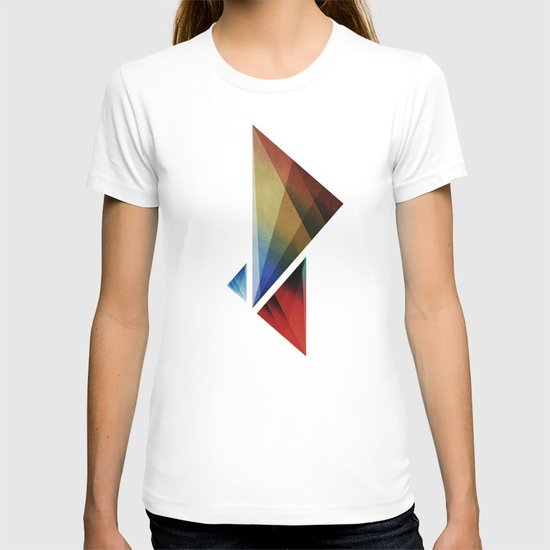 Triangularity Means We Dream in Geometric Colors T-shirt