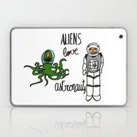 Aliens love astronauts Laptop & iPad Skin