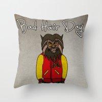 bad hair day no:5 / Thriller Throw Pillow