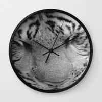 Le Tigre Pendant Sa Sies… Wall Clock