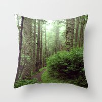 Green Scene. Throw Pillow