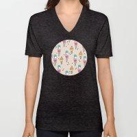 Cute hot summer ice cream cone - doodle illustration pattern print Unisex V-Neck