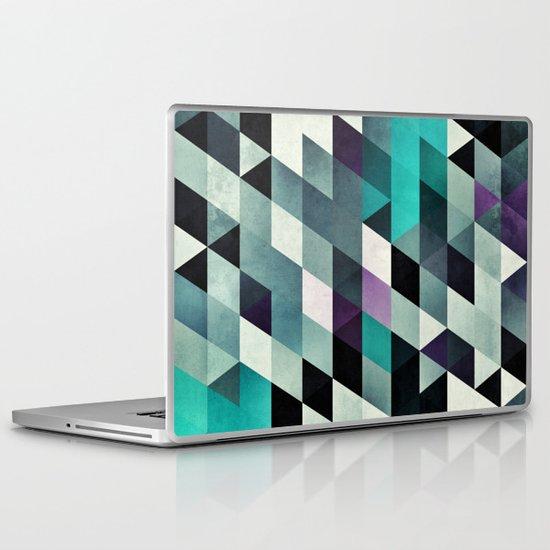 myga cyr Laptop & iPad Skin