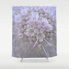 Une Fleur parmi les Fleurs Shower Curtain