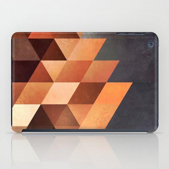 dyymd ryyyt iPad Case