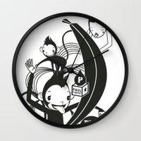 WARREN VS MONKEY BANANA Wall Clock