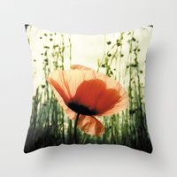 Eclosion De Coquelicot Throw Pillow