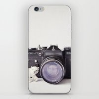 The Polar Bear And The Z… iPhone & iPod Skin
