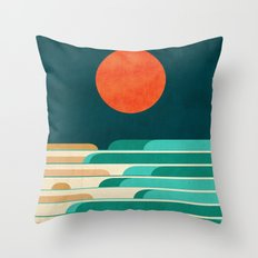Chasing wave under the red moon Throw Pillow