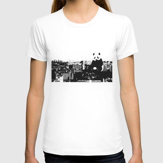 Giant Panda Invades Toa Payoh. T-shirt