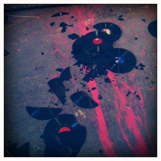 Smashing.... Art Print