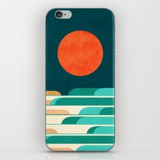 Chasing Wave Under The R… iPhone & iPod Skin