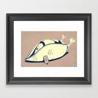 Chapeau de poulet Framed Art Print