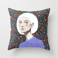 LISA Throw Pillow