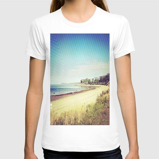 beach. T-shirt