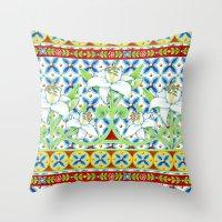 Extravagant Elizabethan … Throw Pillow