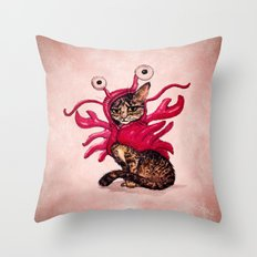 Ma'ama Lisa  Throw Pillow