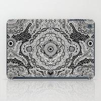 Rain In The Garden - Bla… iPad Case