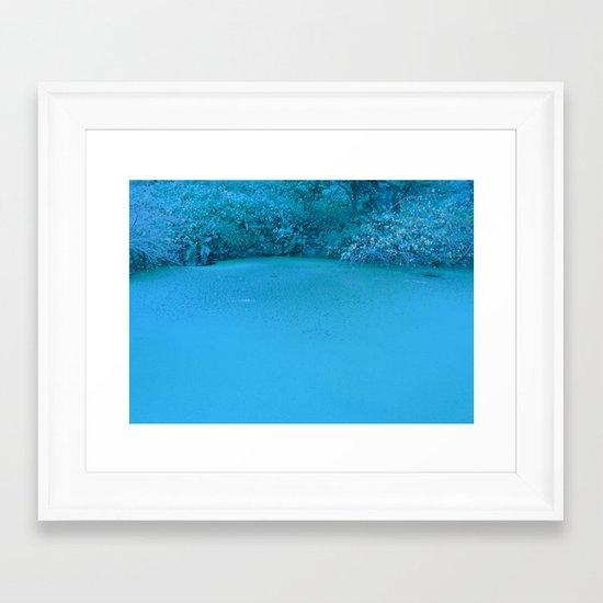 xuxu walk Framed Art Print