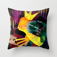 Do you want to marry me ? Throw Pillow