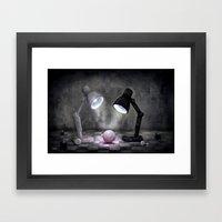 Kleine Entdeckung Framed Art Print