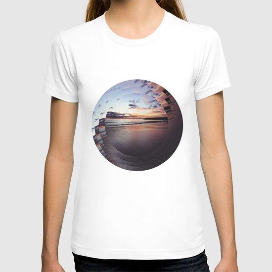circular beach T-shirt